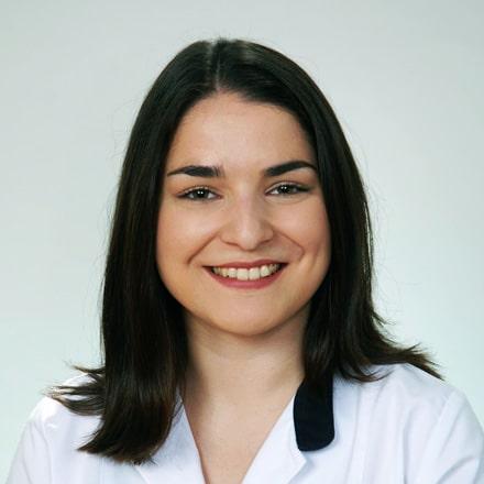 Bárbara-Goulart-Clinica-Medica-do-Porto