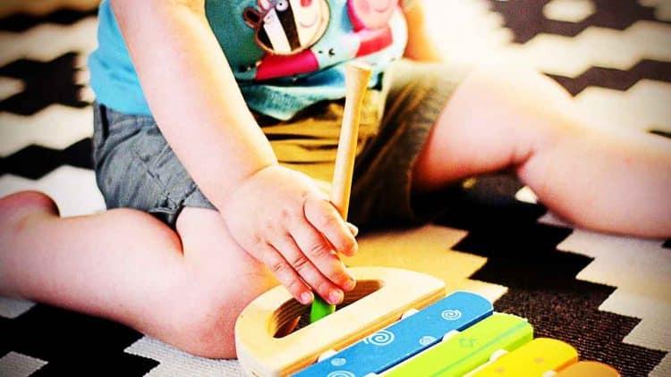 consulta-motricidade-bebe-recem-nascido-clinica-medica-do-porto